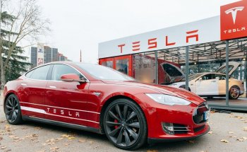 Tesla dẫn đầu TOP 5 hãng bán nhiều xe điện nhất thế giới