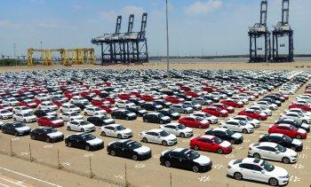 Ô tô nguyên chiếc nhập khẩu quay đầu giảm mạnh trong tháng 4