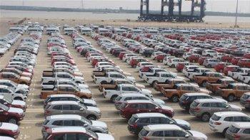 Ô tô nguyên chiếc nhập khẩu tháng 2 tăng về lượng, giảm về giá trị