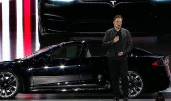 Tesla Model S Plaid ra mắt người dùng sau nhiều tranh cãi