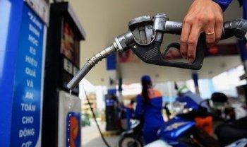 Xăng, dầu đồng loạt tăng giá trở lại, từ 590-680 đồng