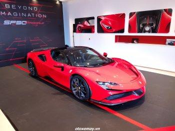 Cận cảnh Ferrari 2021 mẫu SF90 Stradale giá 35 tỷ và Roma giá 21 tỷ đồng tại Việt Nam