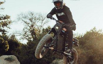 """Super73 mang xe đạp điện """"đội lốt"""" xe máy đến người dùng"""