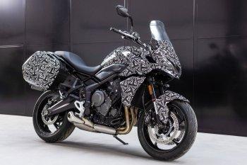 """""""Tiểu hổ"""" Triumph Tiger Sport 660 chuẩn bị ra mắt"""