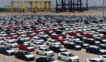 Ô tô nguyên chiếc nhập khẩu tháng 8 giảm mạnh cả lượng lẫn giá trị